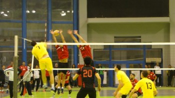 Elyes Karamosli (Esperance) attacking, 2016 Mens African Club Volleyball Championship