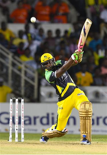 Andre Russell of Jamaica Tallawahs hits 6 during Match 19 of the Hero Caribbean Premier League match between Jamaica Tallawahs and Trinbago Knight Riders at Sabina Park in Kingston, Jamaica. Photo by Randy Brooks/Sportsfile