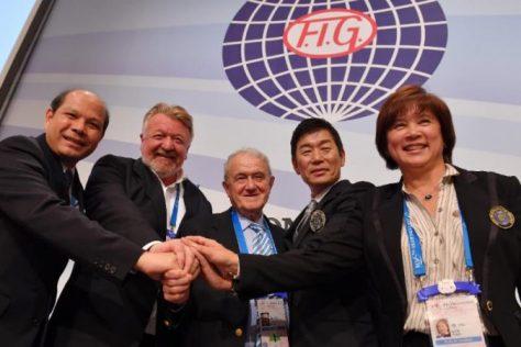 Luo Chaoyi (CHN), Luo Chaoyi (CHN), Bruno Grandi (ITA), Morinari Watanabe (JPN) and Nellie Kim (BLR)